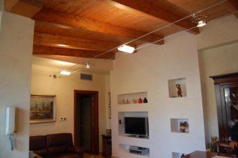 ambientazioni illuminazione soggiorno con tesata a led
