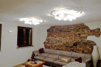 ambientazione illuminazione sala con plafoniere Knikerboker